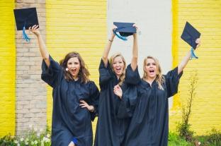 Best-Friends-Graduation-UNCW
